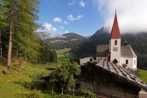 Suedtirol, Ultental, St.Gertraud, Kirche von St.Gertraud,