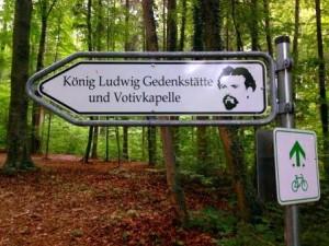 BavariaKönigsmarsch_GedenkstätteWegweiser_B_Maniak