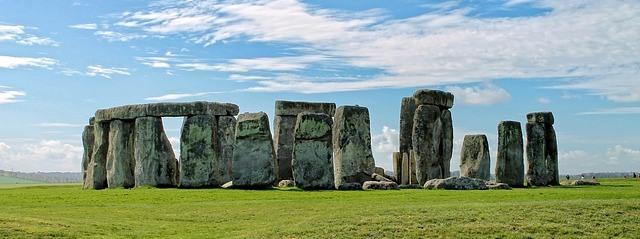 stonehenge-327849_640_A