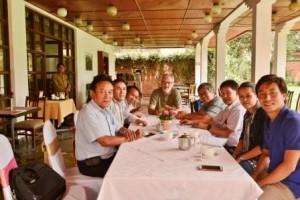 AS_MHA_Neue_Energie_fuer_Nepal_Alle_Partner_an_einem_Tisch_Go_Green_2015