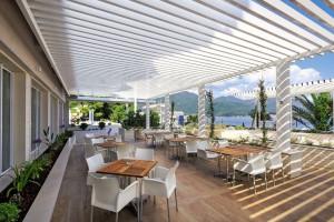 FTI_Hotel Delfin Bijela_Terrasse