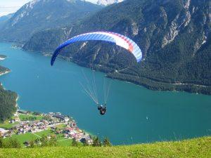 paragliding-623721_640