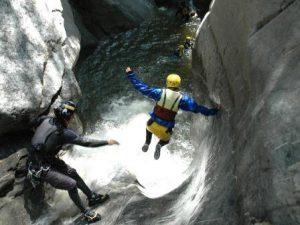 Canyoning in der Chli Schliere ~ Foto: Outventure
