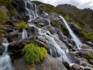 Die tropisch-alpine Brenno-Schlucht im Tessin ~ Foto: Ticino Turismo / R. Gerth