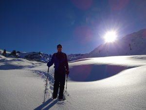 snowshoeing-1713991_640
